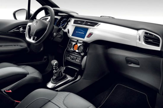 Interior do carro Citroen DS3